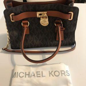 💯 authentic NWT Michael Kors Hamilton purse